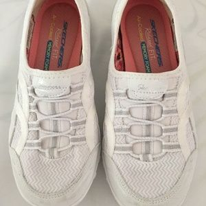Skechers shoes size 35.5 or 5.5